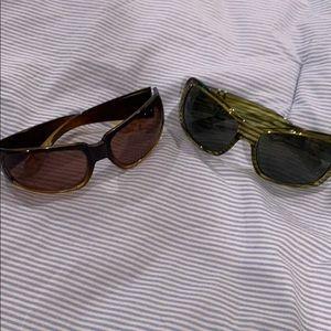 2 pairs sunglasses